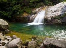 huangshan bergvattenfall Arkivfoton