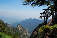 Huangshan-Gebirgslandschaft lizenzfreies stockbild