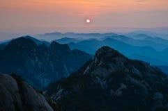 Por do sol de Huangshan Imagem de Stock