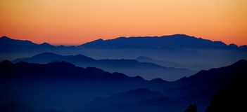 Huangshan scene. Mountain range in huangshan with a sea of cloud Royalty Free Stock Photography