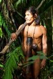 Huaorani Hunter In Amazon Basin indigeno fotografia stock libera da diritti