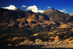 Huaraz в Blanca Cordiliera Стоковые Фото