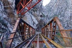 Huarochiri, Perù: ponte dell'altopiano altezza fotografie stock