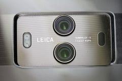 Huawei szturmanu 10 Smartphone ` s Leica Podwójne kamery Zdjęcie Stock