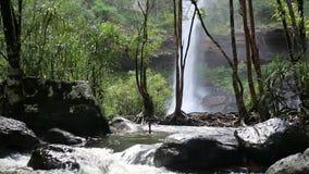 Huay Luang vattenfall stock video