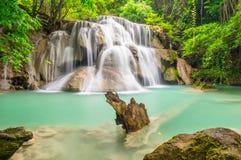 Huay Mae Kamin瀑布,峭壁第三楼  图库摄影