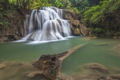 Huay Mae Kamin Wasserfall Lizenzfreie Stockfotos