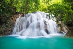 Huay Mae Kamin Waterfall bei Kanchanaburi, Thailand Stockfotografie
