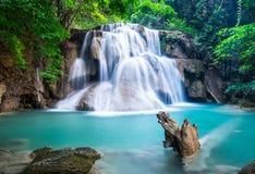 Huay Mae Kamin Waterfall bij Kanchanaburi-provincie, Thailand Royalty-vrije Stock Foto's