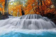 Huay Mae Kamin Waterfall i det Kanchanaburi landskapet Thailand Arkivbilder