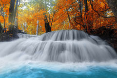 Huay Mae Kamin Waterfall in Kanchanaburi-Provincie Thailand Stock Afbeeldingen