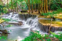 Huay Mae Kamin Waterfall a Kanchanaburi in Tailandia Fotografia Stock Libera da Diritti