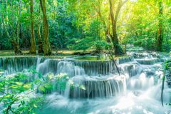Huay Mae Kamin Waterfall in Kanchanaburi in Thailand royalty-vrije stock fotografie