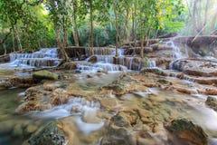 Huay Mae Kamin Waterfall, Thailand arkivfoto
