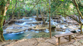 Huay Mae Kamin Waterfall, Thailand arkivbild