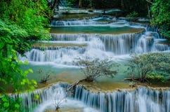 Huay Mae Khamin -瀑布。 库存图片