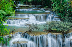 Huay Mae Khamin - cascade. image libre de droits