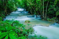 Huay Mae Khamin - cascade. photographie stock libre de droits