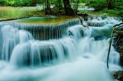 Huay Mae Khamin - vattenfall. Arkivfoto