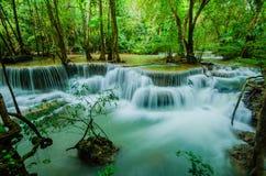 Huay Mae Khamin - vattenfall. Royaltyfria Bilder