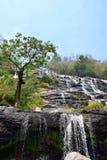 Huay Mae Khamin Wasserfall, Thailand lizenzfreie stockbilder