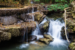 Huay Mae Khamin Waterfall, Kanchanaburi, Tailândia Imagens de Stock Royalty Free