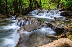 Huay Mae Khamin Waterfall, Kanchanaburi, Tailândia Fotografia de Stock Royalty Free