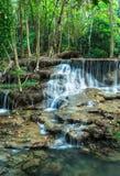 Huay Mae Khamin Waterfalls bij het Nationale Park van Sri Nakarin Royalty-vrije Stock Afbeelding