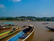 Huay Sai die bij de provincie van Chiang Rai, Thailand landt. Stock Afbeeldingen