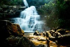 Huay Sai Lueng vattenfall Arkivbild