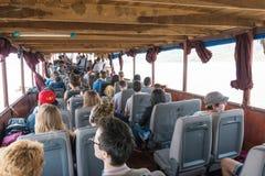 Huay Xai,老挝- 2015年3月03日:在湄公河Riv的缓慢的小船巡航 免版税库存图片