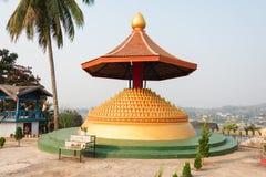 Huay Xai,老挝- 2015年3月03日:VAT CHOME KHAOU MANIRATN 一著名 库存照片