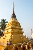 Huay Xai, Laos - 3 de março de 2015: ICM CHOME KHAOU MANIRATN um famoso Imagem de Stock