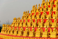 Huay Xai, Laos - Mars 03 2015: MERVÄRDESKATT CHOME KHAOU MANIRATN ett berömt Arkivfoton