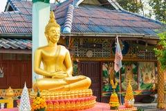 Huay Xai, Laos - Mars 03 2015: MERVÄRDESKATT CHOME KHAOU MANIRATN ett berömt Royaltyfri Foto