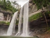 Huayloungs-Wasserfall Lizenzfreie Stockfotos
