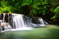 Huaymaekamin瀑布 库存照片