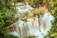 Huaymaekamin vattenfall, Thailand Royaltyfria Bilder
