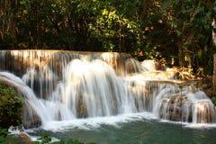 Huaymaekamin-Wasserfall. Stockfotos