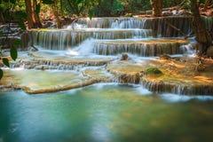 Huaymaekamin-Wasserfall Lizenzfreie Stockfotos