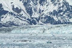 Hubbard glaciär i den Yakutat fjärden, Alaska royaltyfria bilder