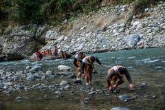 Hubei Badong ao longo do perseguidor da cidade do rio Fotos de Stock