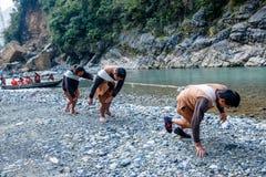 Hubei Badong le long du traqueur de ville de rivière Photos libres de droits