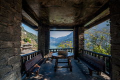 Hubei Yiling il fiume Chang Jiang Three Gorges Dengying Xia nel cottage di Wang di sedere del ` della gente di Three Gorges del ` Fotografia Stock