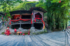 Hubei Yiling o Rio Yangtzé Three Gorges Dengying Gap no ` casado de grito do assoalho do ` da menina de Tujia do rio de Longjin Foto de Stock Royalty Free