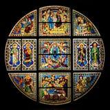 Hublot de verre coloré dans la cathédrale de Sienne (duomo) Photographie stock