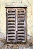 Hublot en bois de vieille décomposition images stock