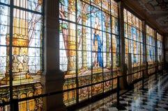 Hublot en verre souillé dans le château de Chapultepec, Mexique Photographie stock libre de droits