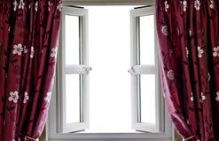 Hublot ouvert et rideaux avec une vue blanc Photo stock