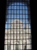 Hublot sur le Duomo photo libre de droits